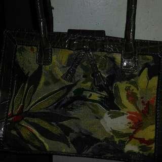 Liz Claiborne Hand Bag Authentic