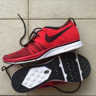 Flyknit Trainers Uni Red