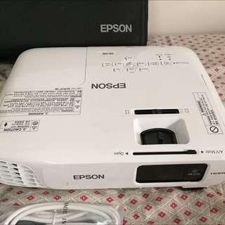 Epson LCD Projector EB-S18 3000 Lumens