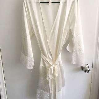 HOMEBODII Bridal robe