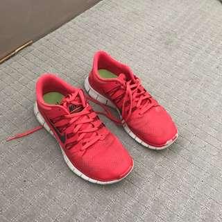 Red And Black Nike Free Runs