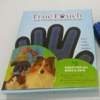 True Touch Five Finger Deshedding Glove.