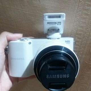 Mirrorless Samsung NX 1000