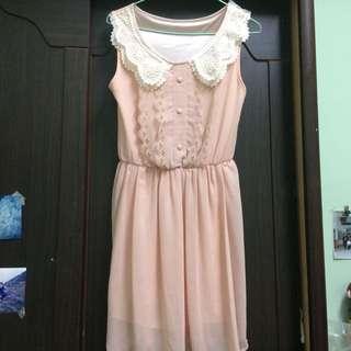 氣質粉紅色蕾絲洋裝