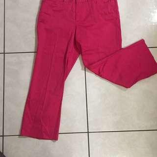 桃紅色7分褲