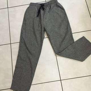 線條休閒褲