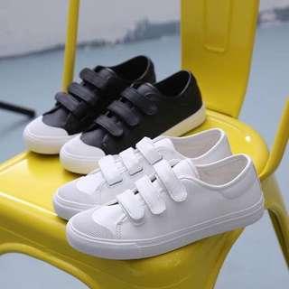 日系皮面魔鬼氈小白鞋