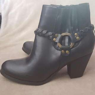 BNNW Ankle Boots