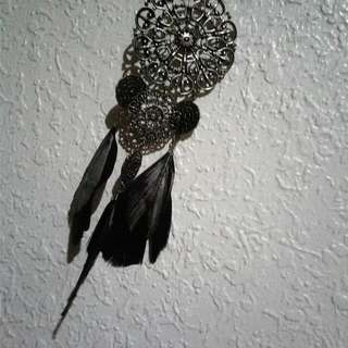 Cute Boho Silver Necklace With Feathers!