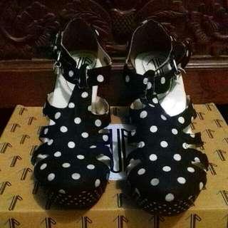 I Wear Up Shoes Polka Black