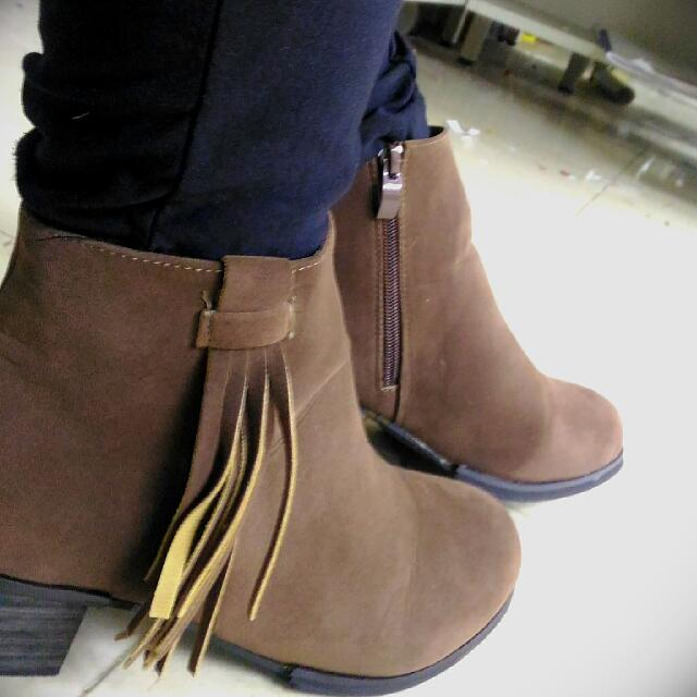 (近全新)25號流蘇短靴 #手滑買太多