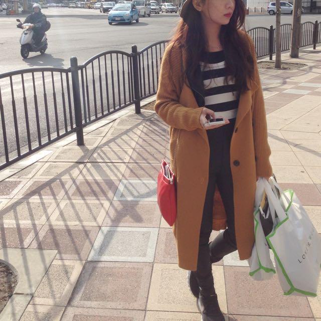 土黃色長版針織外套