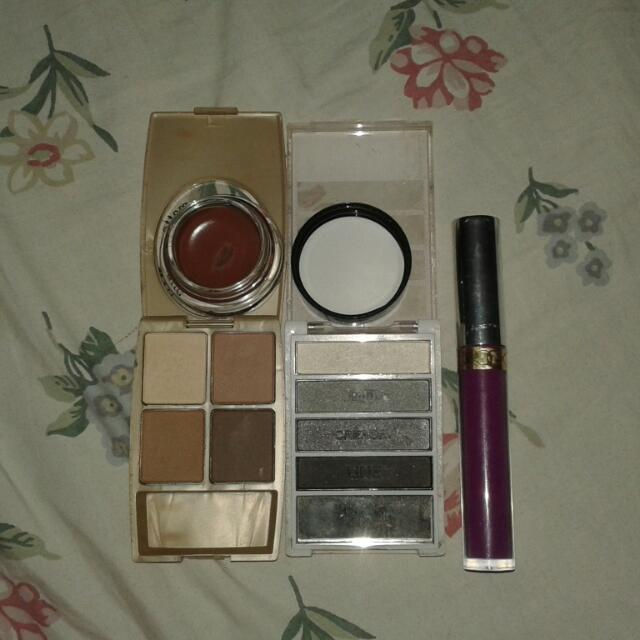 almost new make-up used as sample