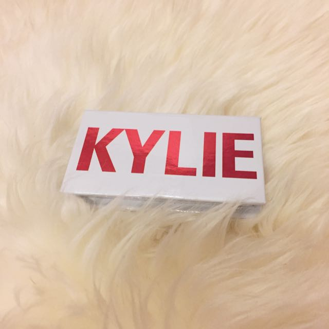 BN Kylie Cosmetics Valentines Eyeshadow Duo