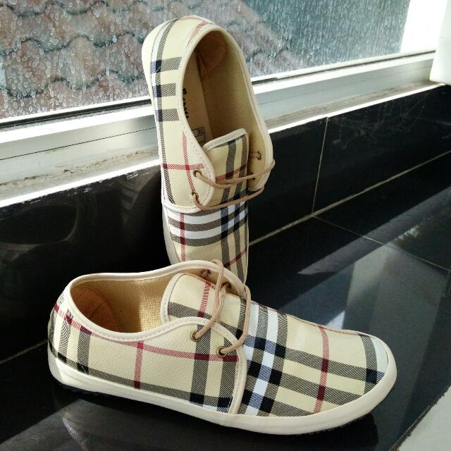 Burberry Uk 37/38