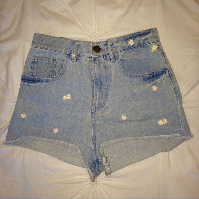 Denim daisy shorts