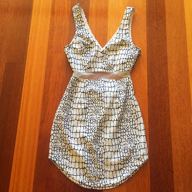 Fitted Dress With Mesh Cut
