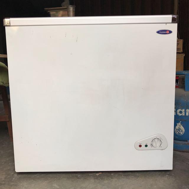 Fujidenzo Glass Top Sliding Freezer