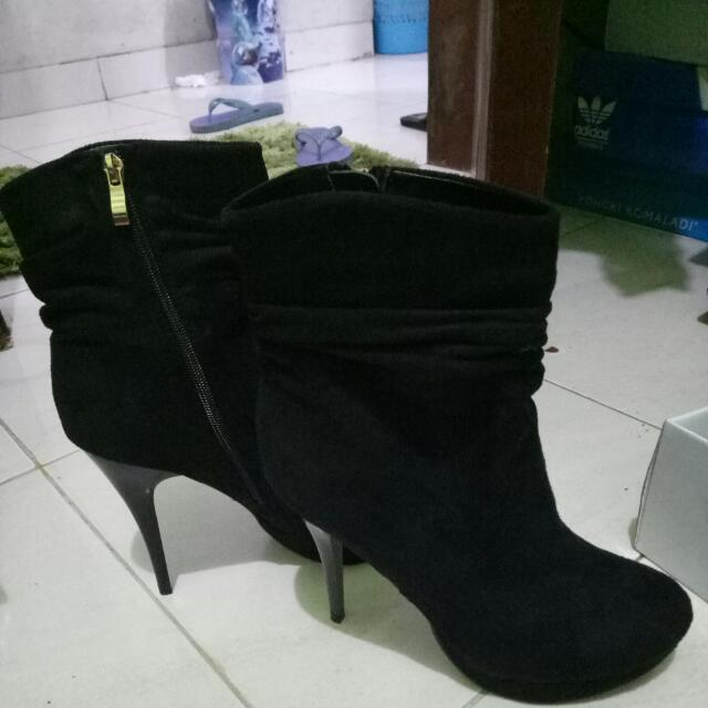 High Heels Boot Merk Marie Claire