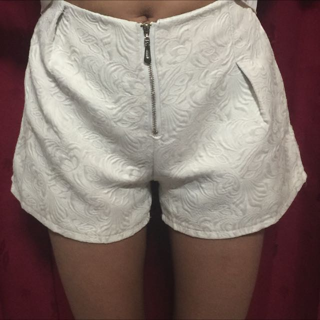 hotpants broken white