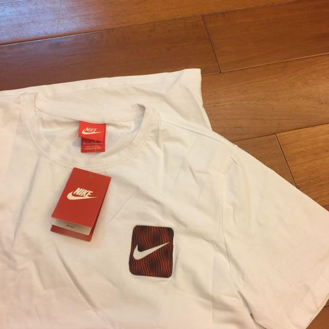 Nike短白T 男