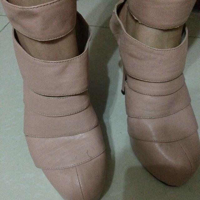 No Brand Boots - From Hongkong