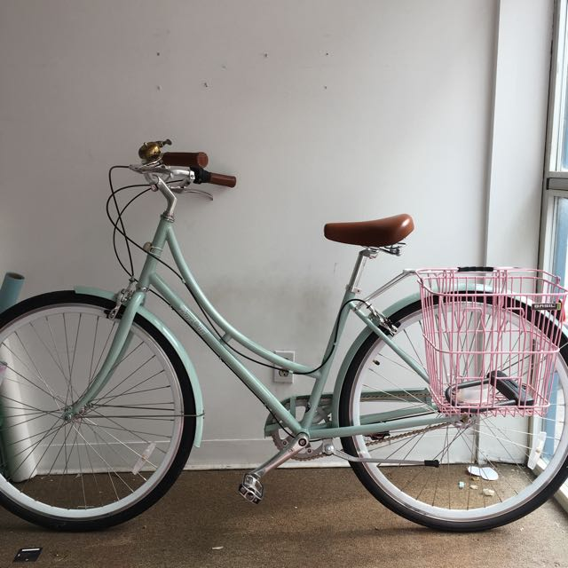 Pure City Crosby Bike With Accessories