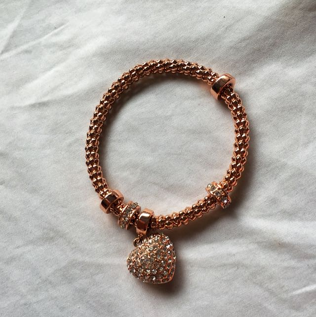 Rosegold Bracelet With Heart