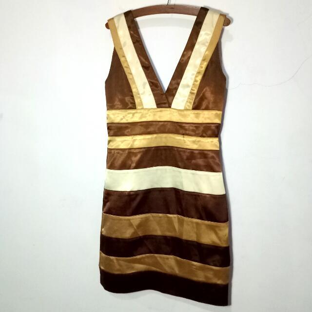Sateen V Dress