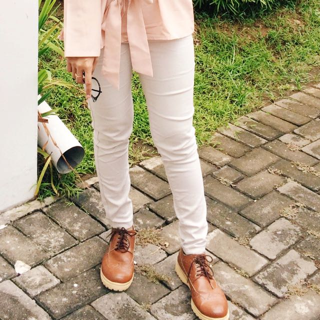 Sepatu Docmart Klummy Tan