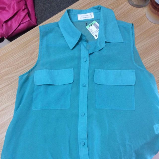 Sheer high-low sleeveless top, Size Small with tag