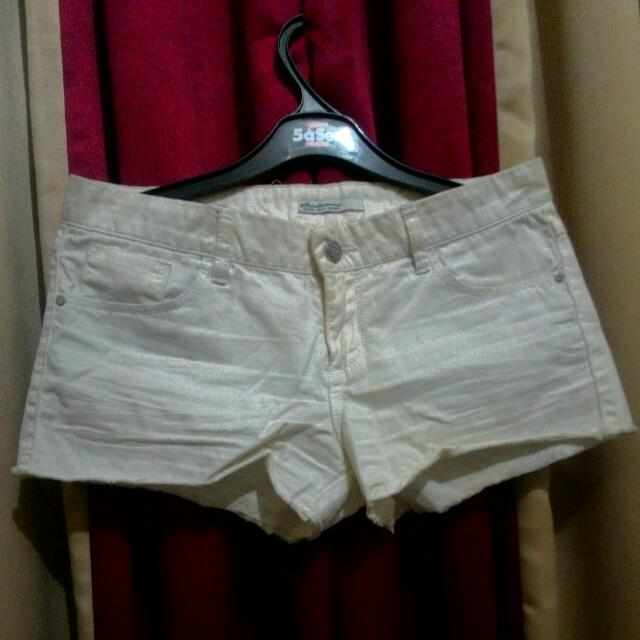 Stradivarius Hot Pants