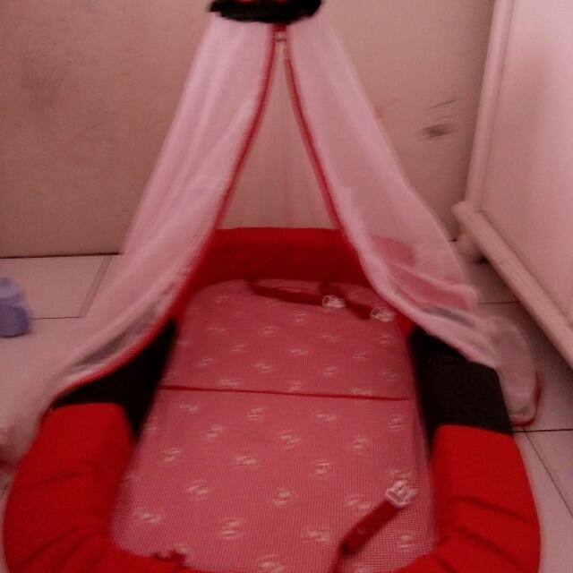 Tempat Tidur Kelambu Bayi