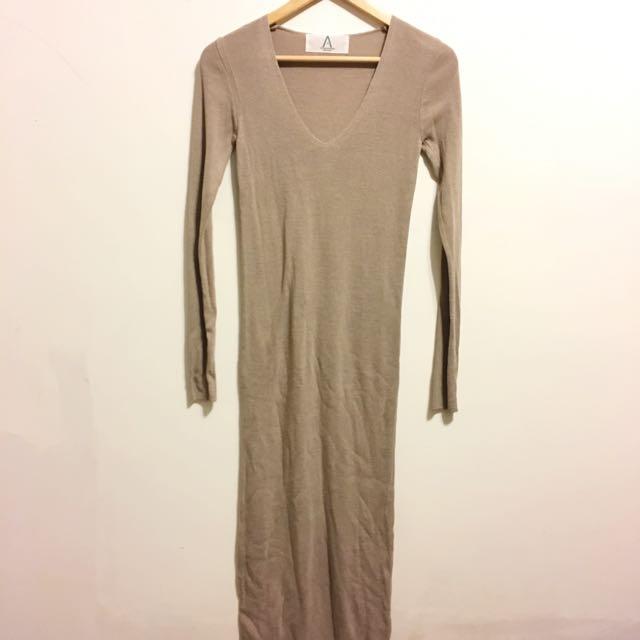 細針織v領長洋裝
