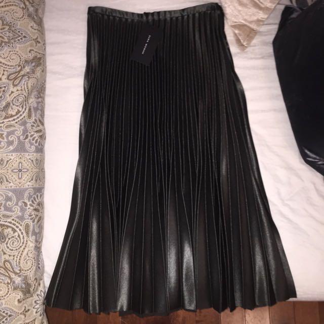 *Reduced* Zara Pleated Green Skirt
