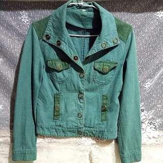 【出清大特價】韓版綠牛仔外套/夾克/短版外套/個性UP  特價:70元