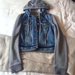 Jean jacket with grey hood and sleeves