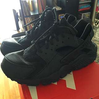 Nike Air Huaraches - Black