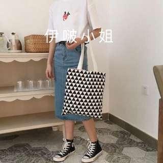 🚚 *雙面款兩用型*帆布包 【白色+黑三角】 購物包 肩背包 側背包 手提袋 帆布包 書包 包包 女包