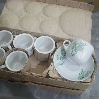 Vintage Kopitiam Cups & Saucers