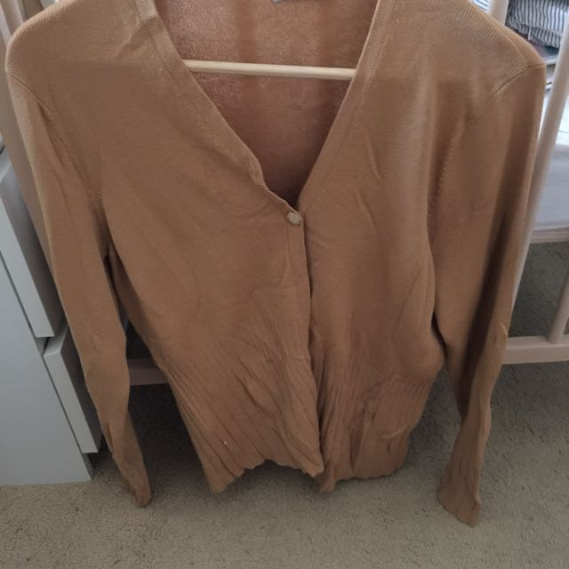 $10 Beige Cardigan • Check Out My Other Listings For Combined Discounts!