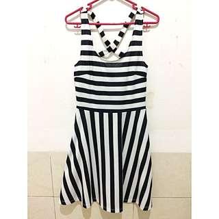H&M BnW STRIPES DRESS