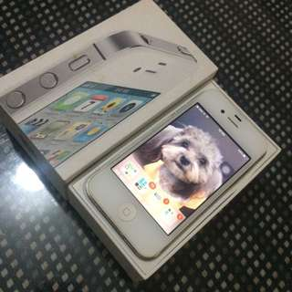 iPhone 4s 32g 白色  保持良好 前面貼鋼化玻璃後面貼保護貼