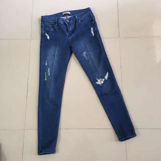 Preloved - Ripped Jeans