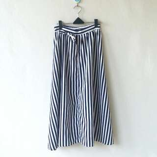 Rok Panjang Garis-garis / Strip long skirt
