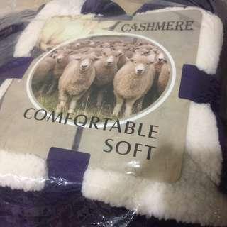 頂級羊羔絨保暖舒柔毯 貴氣紫