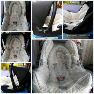 Baby Car Seat Maxi Cosi Cabrio Fix
