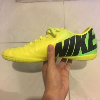 AUTHENTIC MERCURIAL VICTORY IV IC