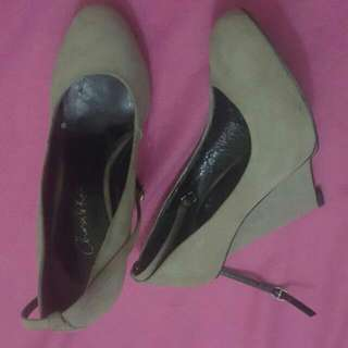 Charles And Keith Signature Grey 37