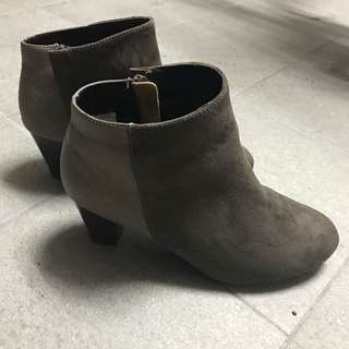 拼接咖啡色短靴 MUJI #五百元好女鞋